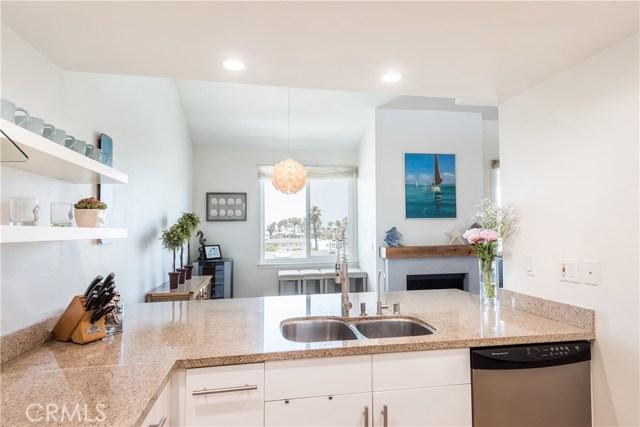 1007 S Catalina Avenue, Redondo Beach CA: http://media.crmls.org/medias/939e920e-8583-47d6-884c-d5a14e38f6d3.jpg