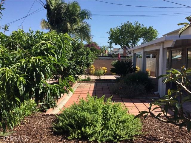 12009 Hartdale Avenue, La Mirada CA: http://media.crmls.org/medias/939eef70-1ca0-460d-811f-c1465545b85e.jpg