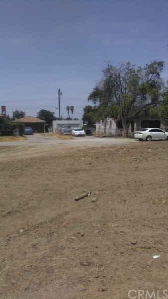 10644 Curtis Street, Loma Linda CA: http://media.crmls.org/medias/93a83378-75f6-4d19-8fd8-a92421a5ea2b.jpg