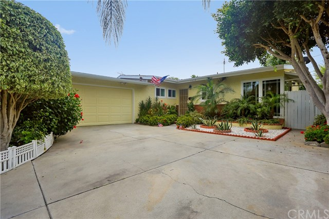 1638 W  Avalon Avenue , SANTA ANA