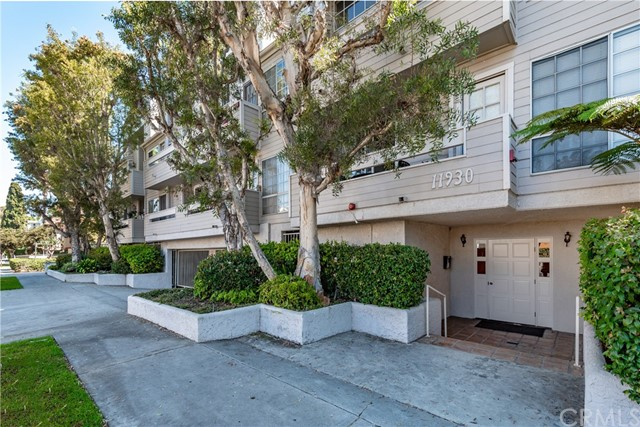 11930 Avon Way 103, Marina del Rey, CA 90066 photo 2