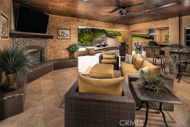 15929 Oak Tree, Chino Hills CA: http://media.crmls.org/medias/93cbd199-226a-4a34-8f40-7201d01b6f1c.jpg