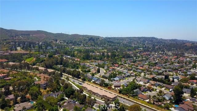 124 S Auburn Heights Lane, Anaheim Hills CA: http://media.crmls.org/medias/93cf3a65-dcae-4dbd-ac57-5f8c554e23cf.jpg