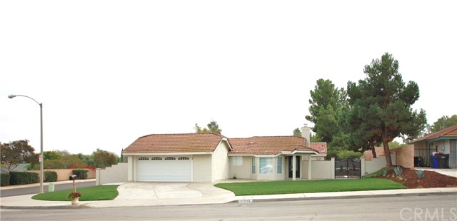 11302 Cypress Avenue, Riverside CA 92505