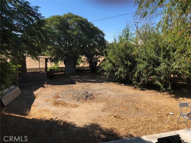 21631 Cottonwood Avenue, Moreno Valley CA: http://media.crmls.org/medias/94081658-180c-459a-bb93-f72bb158f447.jpg