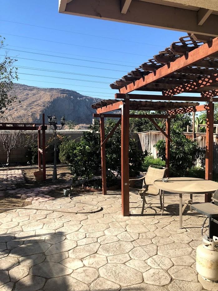 14979 Camellia Drive, Fontana CA: http://media.crmls.org/medias/941c09d4-f681-453f-b565-d2eaf30c2bab.jpg