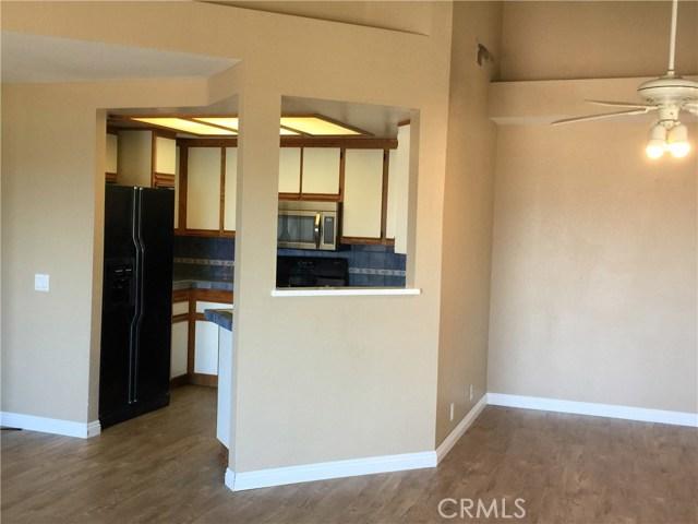 8055 E Sandstone Drive, Anaheim Hills CA: http://media.crmls.org/medias/9427b5d8-ec61-473a-ab7a-220d1606dcc1.jpg
