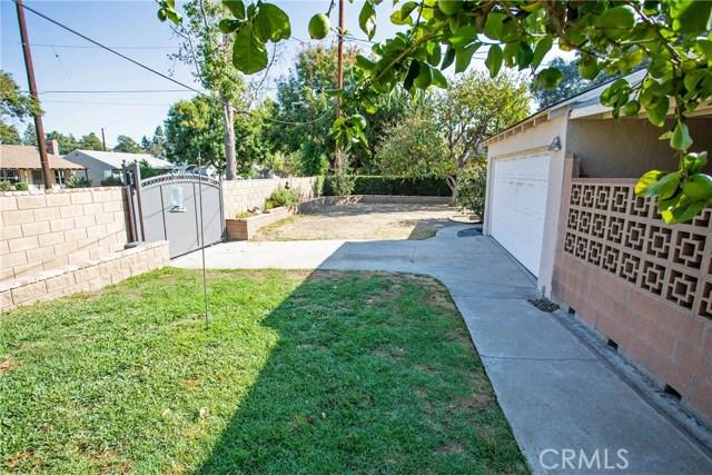 1500 W Clark Avenue, Burbank CA: http://media.crmls.org/medias/942dcdc7-976b-4618-a977-400bcd2c6d5d.jpg