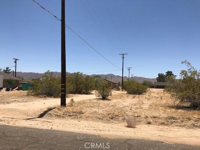 64933 3rd S Street, Joshua Tree CA: http://media.crmls.org/medias/942ee67c-dc32-4fb6-8766-c8b0856e5d82.jpg