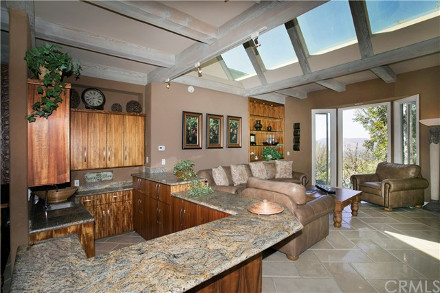 30552 Hilltop Way, San Juan Capistrano CA: http://media.crmls.org/medias/944534a9-c2ae-4d56-bd45-cd175ef0a949.jpg