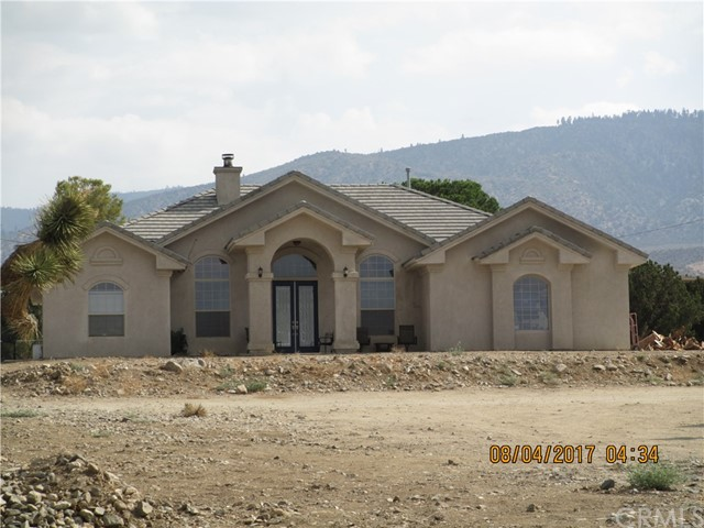 Single Family Home for Sale at 9620 Wintergreen Road 9620 Wintergreen Road Pinon Hills, California 92372 United States