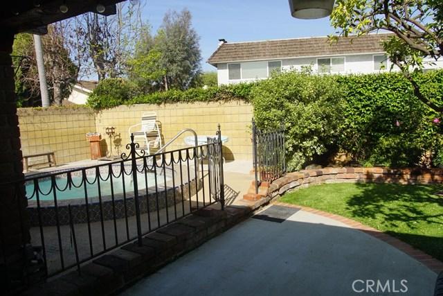 3025 Marna Avenue, Long Beach CA: http://media.crmls.org/medias/94490aa3-1350-4e3b-8404-096b01ce1fc3.jpg