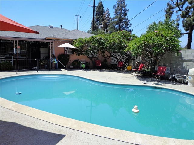 3944 N Frijo Avenue, Covina CA: http://media.crmls.org/medias/944c70df-3848-41d2-8d18-a15194fb66c5.jpg