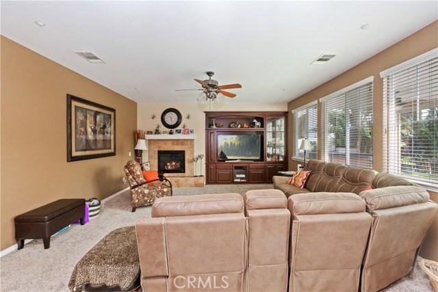 9278 Archwood Court, Riverside CA: http://media.crmls.org/medias/94540d05-5001-41d3-8920-6d588a3e740c.jpg