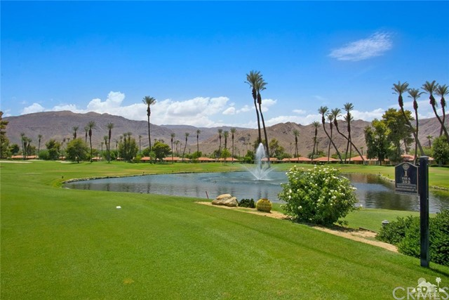 21 La Cerra Drive, Rancho Mirage CA: http://media.crmls.org/medias/945db402-20e9-4cb3-96db-288ca973b887.jpg