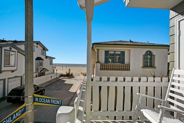 Single Family for Sale at 107 Highland Newport Beach, California 92663 United States