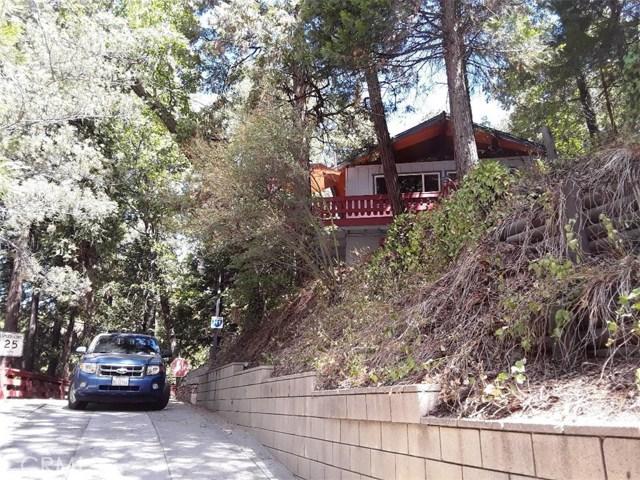 731 Bergschrund Drive, Crestline CA: http://media.crmls.org/medias/9476351c-54b6-42ad-adae-3a32dd1a0d88.jpg