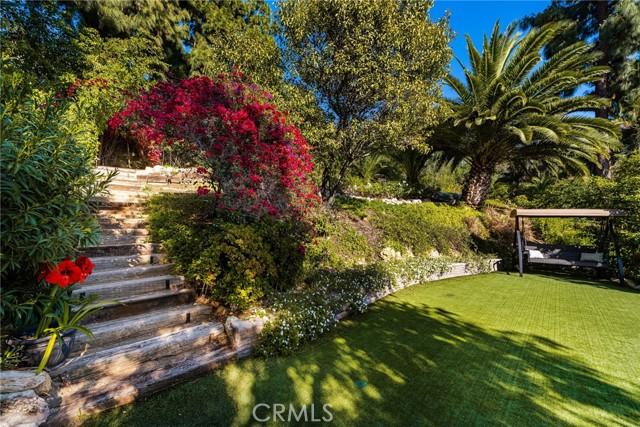 11402 La Vereda Drive, North Tustin CA: http://media.crmls.org/medias/947ff440-45c2-43d9-a612-7171f8cd207e.jpg
