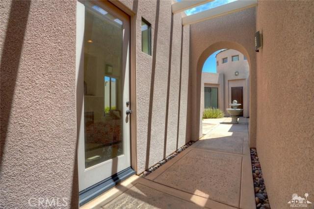 10 Via Haciendas, Rancho Mirage CA: http://media.crmls.org/medias/9480c86b-9d34-470f-998e-42fabb82cd54.jpg