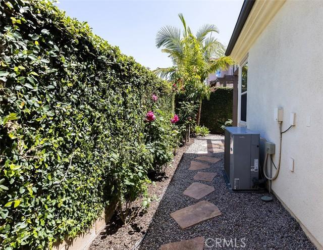 25 Peach Blossom, Irvine CA: http://media.crmls.org/medias/948c2ef6-8193-44d9-8262-d58cef328e1c.jpg