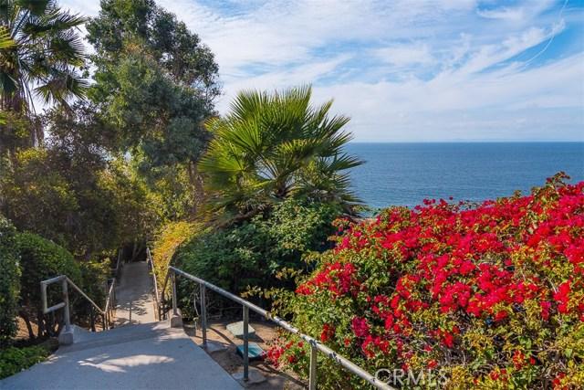 31365 Monterey Street, Laguna Beach CA: http://media.crmls.org/medias/948d9bb0-a425-4de7-b306-ef69459ff755.jpg