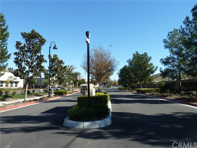 14460 runyon Drive, Eastvale CA: http://media.crmls.org/medias/9495de65-69ee-413b-acda-ef105ad0409d.jpg