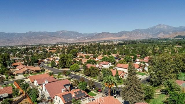 122 Orange Park, Redlands CA: http://media.crmls.org/medias/94a6fafc-b0a9-4a07-a836-70928e7830ee.jpg