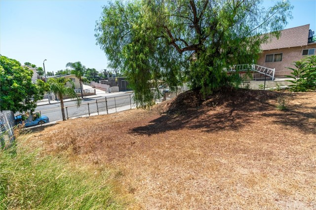 4033 E Cesar E Chavez Avenue, East Los Angeles CA: http://media.crmls.org/medias/94a755b8-503f-457d-b157-774421b9d9c6.jpg