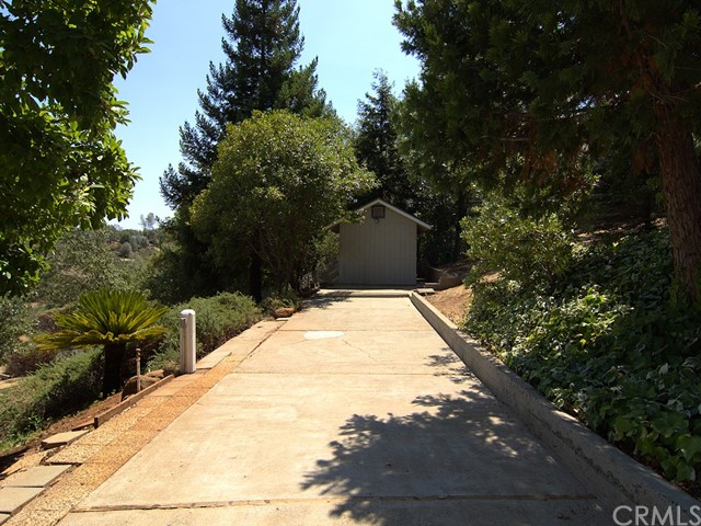 862 Seneca Drive, Paradise CA: http://media.crmls.org/medias/94b20290-fb19-44a5-b88b-37e2edf2b679.jpg