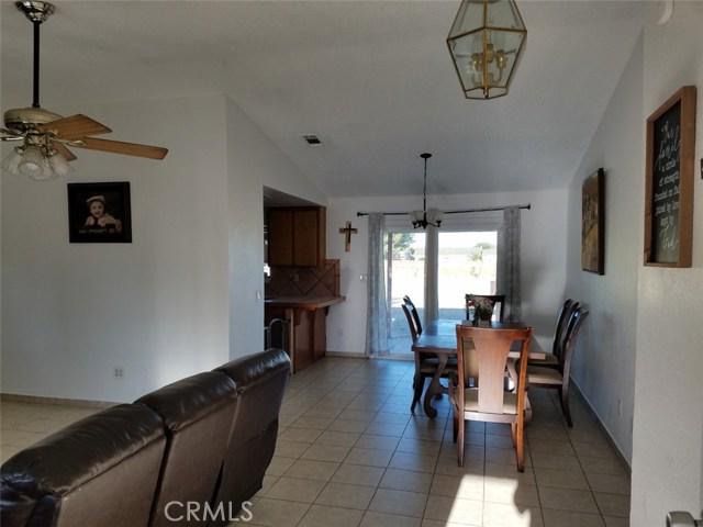 40315 E 167th Street, Lake Los Angeles CA: http://media.crmls.org/medias/94b273ae-545b-4180-b030-0f71e85bc649.jpg