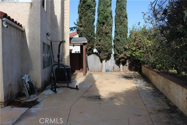3583 Fensmuir Street, Riverside CA: http://media.crmls.org/medias/94b3885d-c119-4e78-9d65-04601cedf149.jpg