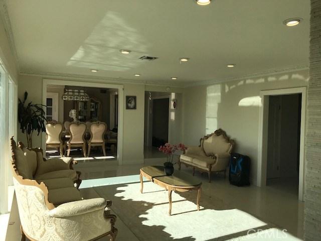 4932 Casa Drive, Tarzana CA: http://media.crmls.org/medias/94b6722a-5149-4041-a5e4-f6004d38cf65.jpg