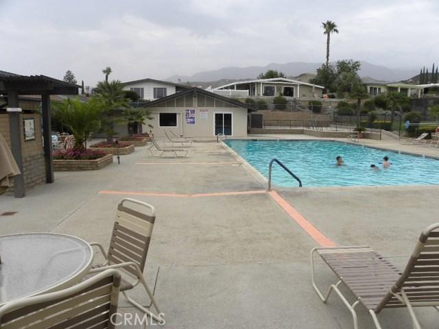 40897 Laredo, Cherry Valley CA: http://media.crmls.org/medias/94c3226d-ffec-4d26-8dc3-b1fe0cd97342.jpg