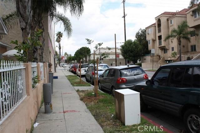 6115 Rugby Avenue, Los Angeles CA: http://media.crmls.org/medias/94d100e3-667e-45bf-b079-ab9820ac7c9f.jpg