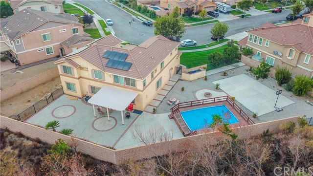 5087 Cottontail Way, Fontana CA: http://media.crmls.org/medias/94d218fe-6be6-43ca-8985-60126ad777e7.jpg