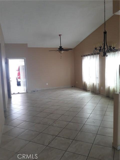 522 Pleasant Hill Road, San Jacinto CA: http://media.crmls.org/medias/94dc59ca-ff9e-4db7-b8e5-b45ce3a1d02b.jpg