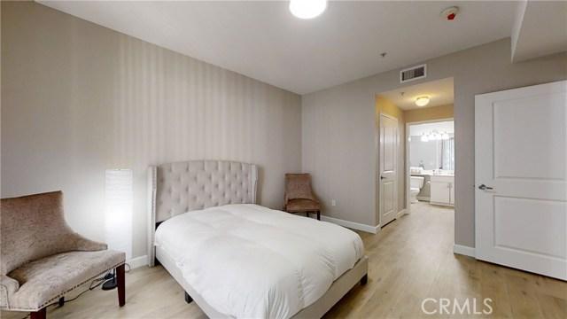 1801 E Katella Avenue, Anaheim CA: http://media.crmls.org/medias/94e13044-2547-4a93-a34d-a2531822304d.jpg