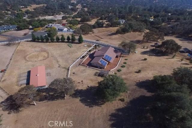 独户住宅 为 销售 在 31174 Cutting Horse Lane Coarsegold, 加利福尼亚州 93614 美国