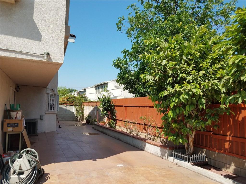 9744 Cortada Street, El Monte CA: http://media.crmls.org/medias/94f47d2e-385d-4635-9596-37388c791ae2.jpg
