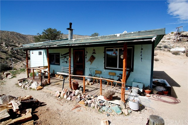 Single Family Home for Sale at 16741 Burns Canyon Road Pioneertown, California 92268 United States