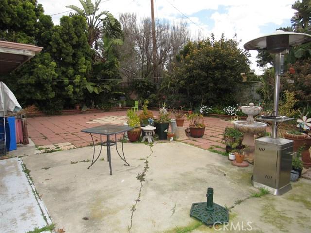 2104 Continental Avenue, Costa Mesa CA: http://media.crmls.org/medias/950bbb27-1309-4f4e-bc8f-0b6d9eb6a445.jpg