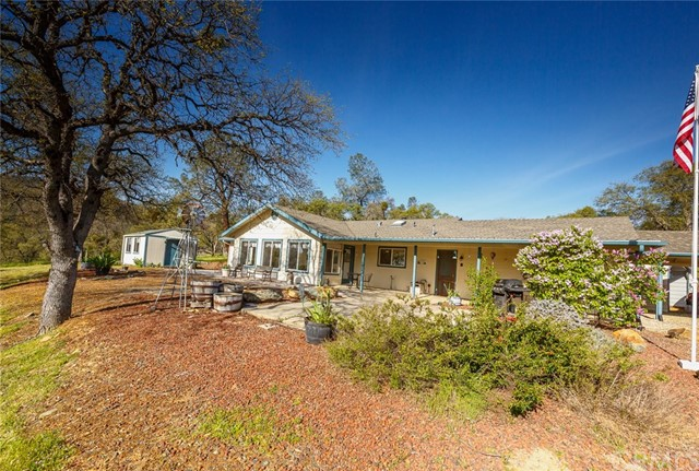 4753 Bear Valley Road, Mariposa CA: http://media.crmls.org/medias/950c9e9f-2b1a-46c6-a4c0-a78293be0f9b.jpg