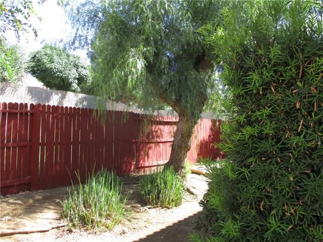 1147 Desert Fox Court, Beaumont CA: http://media.crmls.org/medias/951b13fc-7937-4358-9f96-53241e142413.jpg