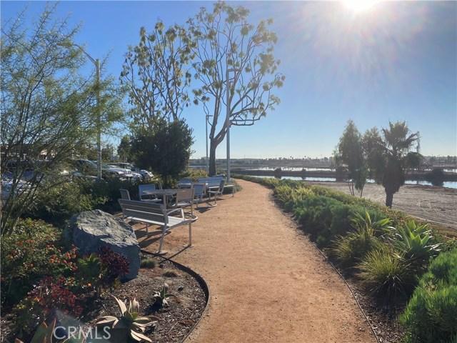 305 N Jade Cove, Long Beach CA: http://media.crmls.org/medias/951beffc-a3a7-41de-bf27-eea1358ffd33.jpg