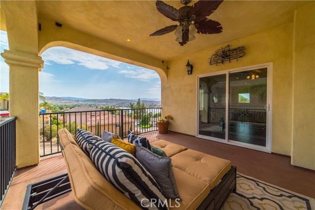 22941 Gold Rush Place, Canyon Lake CA: http://media.crmls.org/medias/9525cec1-8218-41c0-a914-e90d0a15cc5b.jpg
