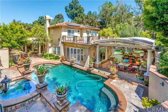Photo of 195 S Heath Terrace, Anaheim Hills, CA 92807