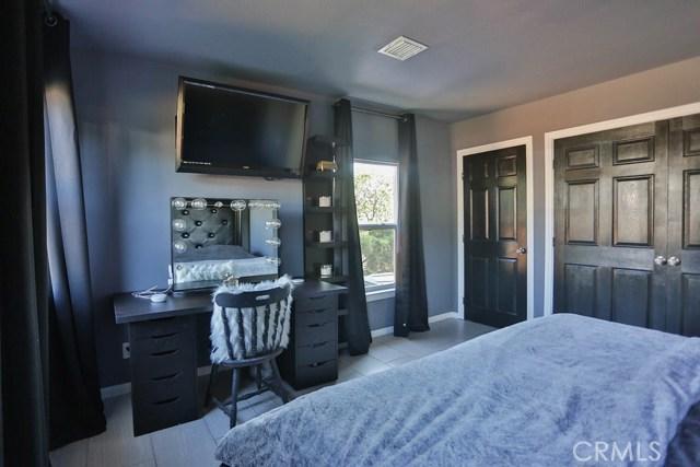 11998 2nd Street, Yucaipa CA: http://media.crmls.org/medias/953ec226-739a-48ad-aa5b-c5aa9fd58afb.jpg