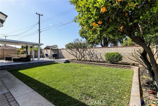 425 W Knepp Avenue, Fullerton CA: http://media.crmls.org/medias/954641c5-594e-4096-ba5d-d24edfcc779f.jpg