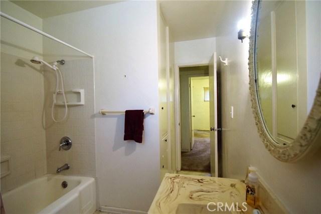 7354 Garden Street, Riverside CA: http://media.crmls.org/medias/9561b538-66b9-406d-a748-87efbe53c560.jpg