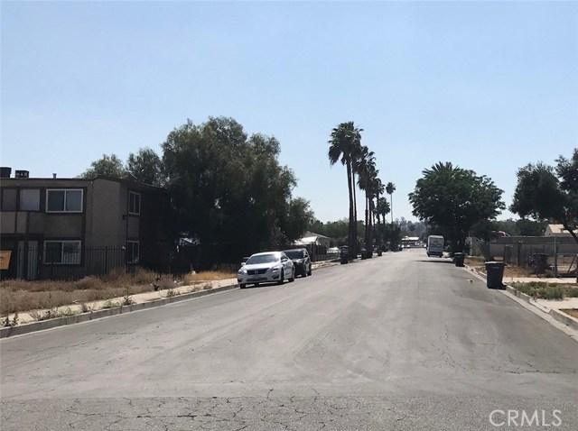 185 G Street, Perris CA: http://media.crmls.org/medias/95637237-0c88-4091-ae5b-b696bcca5420.jpg